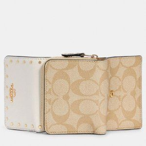 $108 *NEW* COACH Small Trifold Wallet In Signature